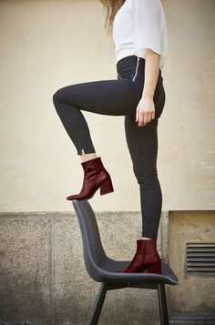 Find your N5133 Pleasant Wood Myth Yggdrasil ankle boots