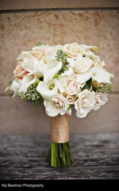Lovely Ivory Bridal Bouquet by Aria Style (photo by Kip Beelman) / www.ariastyle.com / https://www.facebook.com/AriaStyle / http://instagram.com/ariastyleseattle