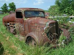 1936 Chevrolet Tanker by carcrazy6509, via Flickr Gm Trucks, Cool Trucks, Classic Trucks, Classic Cars, Abandoned Cars, Abandoned Vehicles, Abandoned Places, Rusty Cars, Chevy Pickups