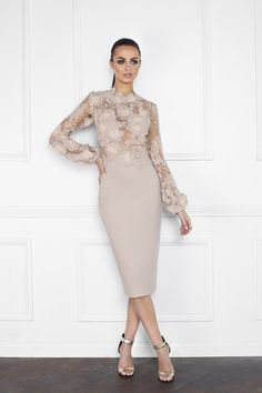 We off the best selection of unique short and fitted prom dresses to the best dresses cocktail dress at the wedding. Fitted Prom Dresses, Elegant Dresses, Vintage Dresses, Nice Dresses, Short Dresses, Fairy Wedding Dress, Luxury Wedding Dress, Mother Of Bride Outfits, Mothers Dresses