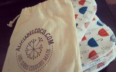 Série de 10 lingettes lavables motif parapluie format carre 12X12mm avec  sa pochette en coton imprimé aliciadelcoco.com // 15€