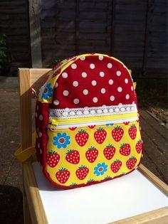 Kids Backpack - Strawberry / sac à dos cartable enfant maternelle