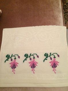103 Likes, 3 Comments - kanevi Diy And Crafts, Cross Stitch, Crochet, Blog, Towels, Handmade Crafts, Border Tiles, Napkins, Trapper Keeper
