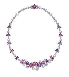 Ganjam 'Le Jardin' necklace with amethyst and rhodolite flowers interspersed with pearls and diamonds. High Jewelry, Pearl Jewelry, Indian Jewelry, Jewelery, Jewelry Necklaces, Purple Jewelry, Statement Necklaces, Jewelry Design Drawing, Titanic Jewelry