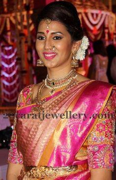 Celebrities at Samrat Reddy Wedding Designer Silk Sarees, Indian Designer Wear, Wedding Saree Blouse, Wedding Sarees, Vaddanam Designs, Wedding Attire, Wedding Bride, Wedding Decor, Indian Bridal Sarees