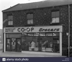 Barnsley Co-op, Park Road Branch Exterior, Barnsley, South Yorkshire Stock…