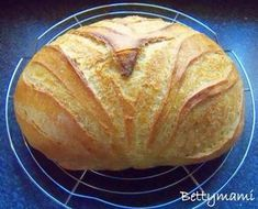 Kovászos burgonyás fehér kenyér | Betty hobbi konyhája Smoothie Fruit, A Food, Food And Drink, Croissant Bread, Grill N Chill, Hungarian Recipes, Sourdough Bread, Paleo Breakfast, Bread Baking