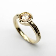 Etsy のBrown Diamond Ring Gold,Brown Diamond Ring 18k Yellow Gold,Brown Diamond Solid 18K Gold Ring,April Birthstone Ring,Round Cut 6mm,Brown(ショップ名:CHARISJewelry)