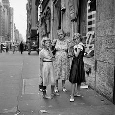 Street Photography 2 | Vivian Maier Photographer August 1954. New York, NY