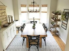 Here's a fun baking tip: when you forget to set a timer and burn dinner, take-out food will look absolutely stunning atop this Tamilo Dining Table. ;) It's okay, we've all been there. Thanks for sharing @freshstartfarmhouse.