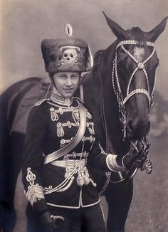 princess viktoria-luise of Germany.jpg (420×581)  That hat!