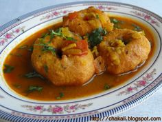 My favorite breakfast item from India is plain wada with coconut chutney! Wada in Sambar is good but the wada and sambar have to be prepared excellently!