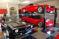 The perfect of the very best final dream automotive garages showcasing millionaire automotive collections. Garage Loft, Garage Car Lift, Dream Car Garage, Man Cave Garage, Garage House, Garage Workshop, Garage Storage, Garage Shop, Garage Organization