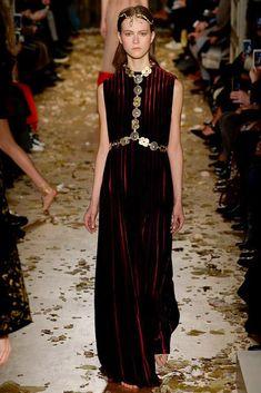 Valentino - Alta Costura - Spring/Summer 2016 - www.so-sophisticated.com
