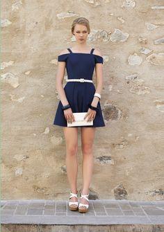 Lady like! Recortes nos ombros e cintura marcada. Verão 2016 Romariabh #ladylike #cute #dress #recortes #fashion #moda #woman