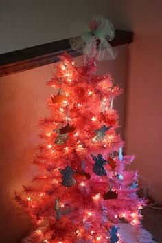 the tharp family: oh pink Christmas tree, 2013 Hot Pink Christmas tree, Pink Christmas tree for 2013