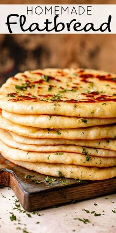 This Homemade Flatbread recipe is the carb you need right now. It's soft, fluffy, and super flavorful. A warm, soft, and fresh snack or dinner side. # Food and Drink homemade Easy Homemade Flatbread Recipe Easy Flatbread Recipes, Naan Bread Recipe Easy, Greek Flat Bread Recipe, Flatbread Ideas, Soft Flatbread Recipe, Best Bread Recipe, Comida India, Cooking Recipes, Healthy Recipes
