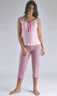 Pijama modera y juvenil clima caliente Colombia Cute Sleepwear, Lingerie Sleepwear, Nightwear, Night Suit, Night Gown, Sexy Dresses, Fashion Dresses, Pijamas Women, Pretty Lingerie