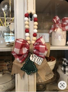 Handmade Christmas Decorations, Diy Christmas Ornaments, Christmas Projects, Holiday Crafts, Christmas Wreaths, Christmas Displays, Christmas Ideas, Dollar Tree Christmas, Rustic Christmas