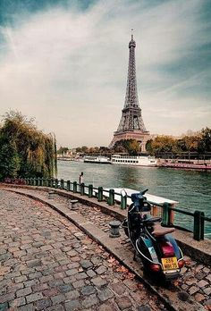 What a view of the Seine and Eiffel Tower