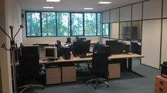 Oficina de Urbaniza Interactiva. Edificio Inbisa Corner Desk, Conference Room, Table, Furniture, Home Decor, Shopping, Offices, Buildings, Corner Table