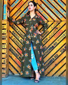#love #sunandasharma #sunanda #punjabi #singer #music #artist #girl #cute #photooftheday #love #nandsingh #followme #follow #instacool #like4like Shirt Style Kurti, Hijab Fashion, Fashion Dresses, Punjabi Suits Designer Boutique, Kurta Designs Women, Designer Dresses, Like4like, Clothes For Women, Casual