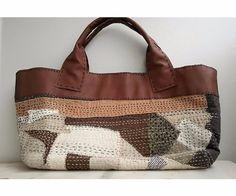 刺し子トートバッグ自作 Patchworked fabric bag with Sashiko stitching. Patchwork Bags, Quilted Bag, Boro, Diy Handbag, Fabric Bags, Handmade Bags, Handmade Bracelets, Cloth Bags, Purses And Bags