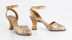 1928-29 evening sandals by André Perugia, with cast metal heels & open backs, a feature that did not enter mainstream fashion until the mid-1930s.