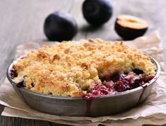 Learn how to make a classic crumble with our easy apple crumble recipe. The perfect treat for Sunday lunch, our apple crumble is quick and simple to make. Plum Crumble Recipes, Plum Recipes, Fruit Crumble, Rhubarb Crumble, Pie Crumble, Crumble Topping, Desserts To Make, Köstliche Desserts, Baking Recipes