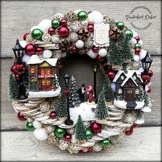 Unique Christmas Decorations, Christmas Mesh Wreaths, Christmas Tree Themes, Rustic Christmas, Christmas Projects, Christmas Home, Christmas Holidays, Christmas Ornaments, Creation Deco