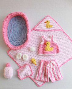 PB034 Doll Bath Set Crochet Pattern- Doll Bath Set Pattern comes complete with a bathtub, wash cloth, soap, and shampoo. This cute set has plenty of pieces and accessories to keep her busy. et at an intermediate crochet level, the Doll Bath Set clothing fits a 12 inch doll.