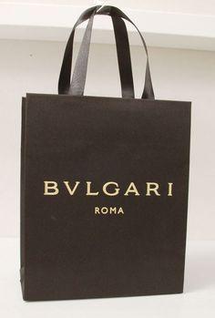papaer bag Design Print Graphic Fashion 紙袋 デザイン 印刷 グラフィクデザイン ファッション Luxury Packaging, Brand Packaging, Luxury Branding, Custom Paper Bags, Shoping Bag, Shopping Bag Design, Paper Bag Design, Princess Gifts, Packaging