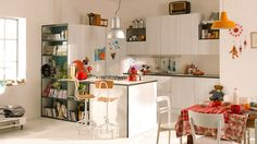 Small kitchen layout: some ideas to help you Furniture Layout, Kitchen Furniture, Living Room Furniture, Furniture Design, Furniture Websites, Furniture Outlet, Discount Furniture, Greige, Small Kitchen Layouts