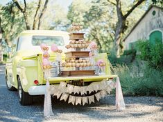 Pie Pop and Cotton Candy Display on a Vintage Truck by Sweet Lauren Cakes Wedding Desserts, Wedding Cakes, Wedding Decorations, Cake Pops, Chic Wedding, Dream Wedding, 1940s Wedding, Fall Wedding, Wedding Reception
