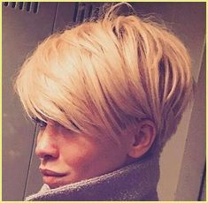 Neu Trend Frisuren 2019 Idée Tendance Coupe & Coiffure Femme 2018 : Description This Pin was discovered by ~Be – madame.tn/… Source by Cool Short Hairstyles, Short Hairstyles For Women, Pixie Hairstyles, Hairstyle Short, Medium Hairstyles, Hairstyles Haircuts, Haircut Short, Wedge Hairstyles, Haircut Style