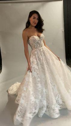 Royal Wedding Gowns, Fancy Wedding Dresses, Wedding Dress Trends, Princess Wedding Dresses, Perfect Wedding Dress, Bridal Dresses, Kleinfeld Wedding Dresses, Fairytale Wedding Dresses, Wedding Dress Removable Skirt