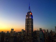 August 4, 2016: In honor of the final Subway Series game, the Empire State Building's lights shine in both @metsbaseball and @yankeesbaseball colors. Photo by Sarah W. (sarahkarpward on Twitter)