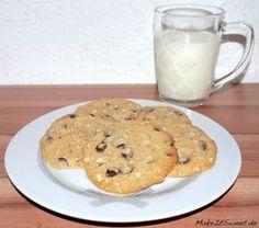 Cookies schmecken immer und diese leckere Cookies sind ideal fürWeihnachten. Man kann sie aber auch außerhalb der Weihnachtszeit essen. Die Cookies sind mit Schokotropfen und Erdnüssen und haben eine ... Mehr lesen