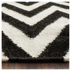 Suri Dhurry Area Rug - Black/Ivory (6' Square) - Safavieh