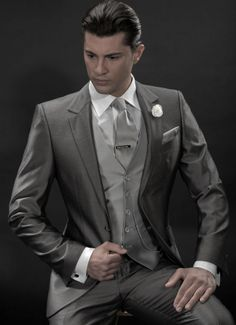 2014 New Arrival Gray Wedding tuxedos for groom Custom Made suit Groom Wear mens one Button single breast 01261