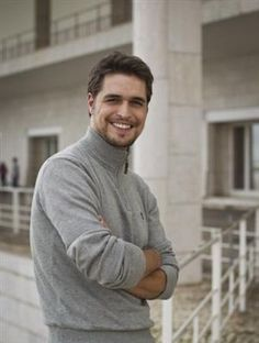 Diogo Morgado played Jesus in The Bible Series. Sharp Dressed Man, Well Dressed Men, Great Clothes For Men, Gents Fashion, Women's Fashion, Many Men, Hot Actors, Good Looking Men, Male Beauty