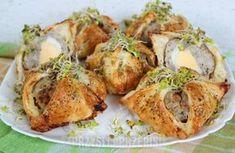 Pakieciki z białą kiełbasą i jakiem Dumplings, Baked Potato, Shrimp, Salads, Food And Drink, Turkey, Potatoes, Chicken, Meat