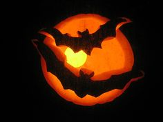 bats scary jack o lantern wallpaper scary jack o lantern patterns scary jack o lantern pumpkin carving Pumpkin Carving Bat, Pumpkin Carving Patterns, Pumpkin Stencil, Bat Stencil, Carving Pumpkins, Spooky Pumpkin, Halloween Jack, Halloween Pumpkins, Halloween Crafts
