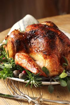 Citrus and Herb Butter Roast Turkey Recipe - The Suburban Soapbox The BEST turkey recipe ever. Citrus and Herb Butter Roasted Turkey is the most fool-proof recipe for tender, moist turkey your whole family will love. Best Turkey Recipe Ever, Best Thanksgiving Turkey Recipe, Thanksgiving Menu, Christmas Turkey, Best Roasted Turkey, Baked Turkey, Roast Turkey Recipes, Whole Turkey Recipes, Crunch