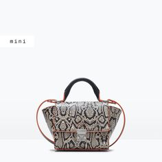 STRUCTURED MINI MESSENGER BAG WITH BUCKLE