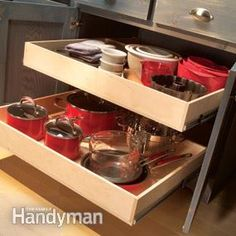 Do you need inspiration to make some DIY Small Kitchen Organization Ideas in your Home? Small kitchen organization isn't nearly as hard as you might think. The secret to small kitchen organization is the proper use of space. Kitchen Cabinets Upgrade, Kitchen Cabinet Storage, Kitchen Drawers, Cabinet Drawers, Cabinet Slides, Cabinet Organizers, Cabinet Boxes, Kitchen Shelves, Bathroom Cabinets
