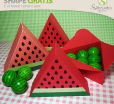 FREE» DIY 3D cut file --Shape 36: Caixa Melancia - É Silhouette Brasil --melon box favour gift treat summer food fruit slice