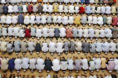 Müslüman namazı |  © Jordi Bernabeu Farrús / Flickr