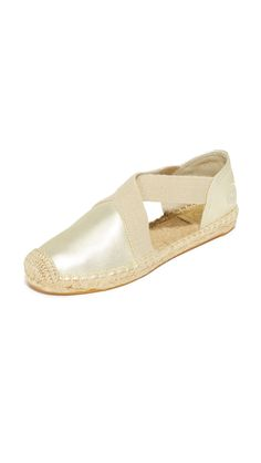 The perfect beach shoes! Catalina 2 Flat Espadrille from Tory Burch.