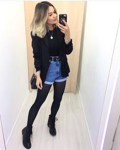 All black and jeans outfit for Fall - ChicLadies. Winter Fashion Outfits, Fall Winter Outfits, Look Fashion, Outfit Jeans, Jeans Dress, Tan Skirt Outfits, Outfits Otoño, Cute Casual Outfits, Stylish Outfits